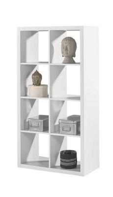 Flexibler als dieser Raumteiler ist kaum ein Möbel. Das <b>weiße Regal</b> aus robuster Flachpressplatte bietet sowohl mit der zeitlosen Farbgebung als auch den Maßen von ca. <b>77 x 147 cm </b>(B x H) jede Menge denkbare Einsatzmöglichkeiten. Ob als Spielzeugregal im Kinderzimmer, Teil Ihrer Bibliothek im Büro oder als Basis für Ihre Dekorationen im Wohnbereich - der Raumteiler passt einfach immer dazu. In den<b> 8 offenen Fächern</b> können Sie alles verstauen, was Ihnen gerade in den Sinn…