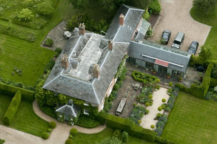 Michael And Carole Middleton Mansion Where George Is