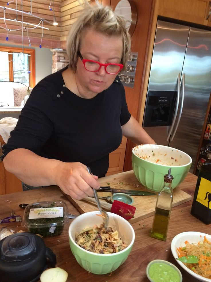My dearest friend chef Pia stood in my #kitchen day after day, cooking up the #recipes I created for my latest #cookbook, #Superfoods for a Super You! Her mastery in the kitchen will #inspire me for many a #meal to come! #eatclean #eatcleandiet #eatingclean #cleaneating #toscareno #eatcleandietcookbook #eatcleanrecipe #kelp #padthai #bff
