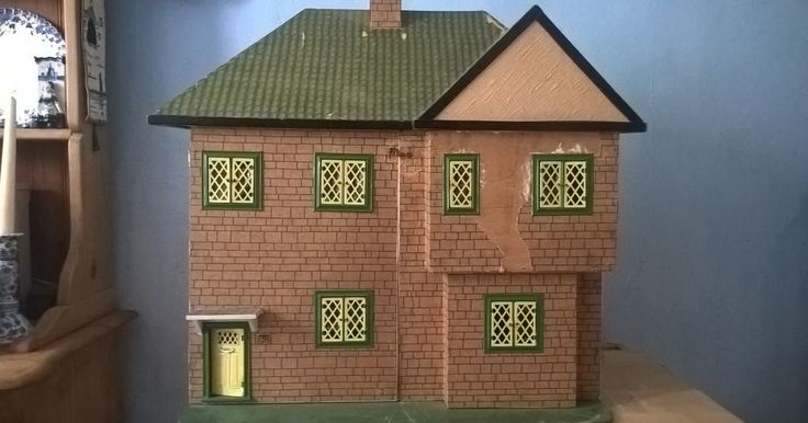 A 1950s Dolls House