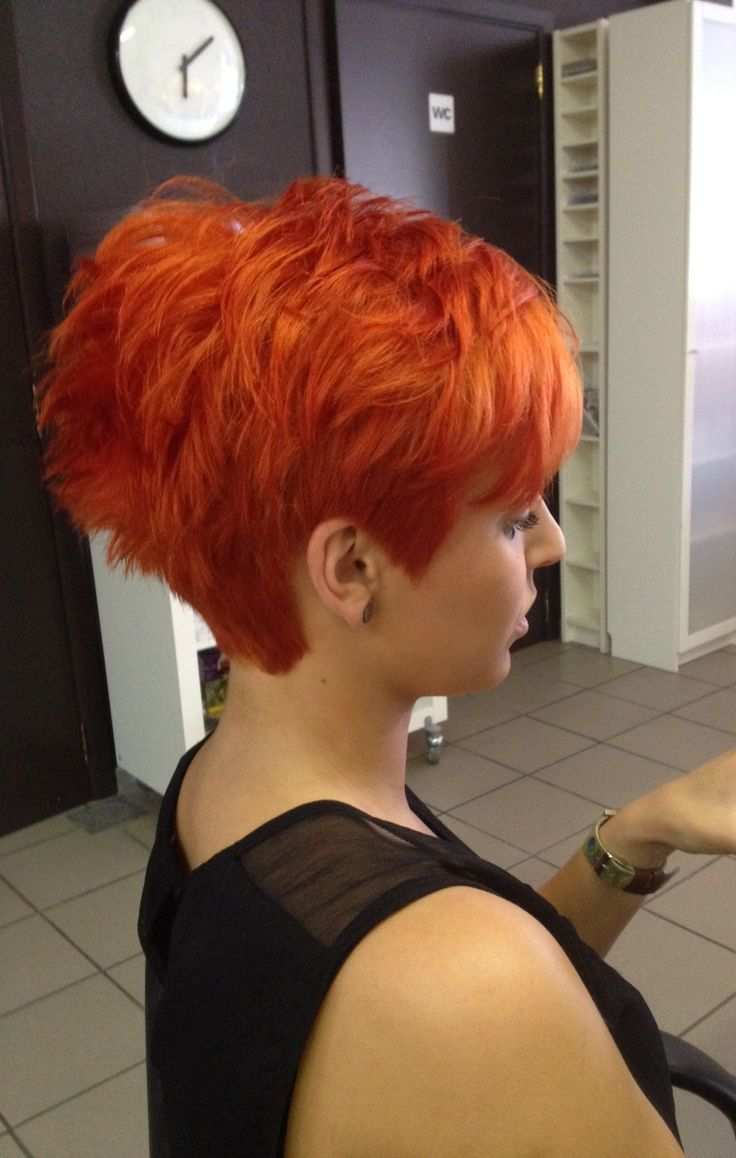 Cute haircut and color.