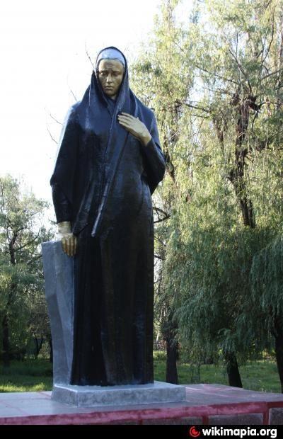 Памятник «Скорбящая мать» - Белозёрское