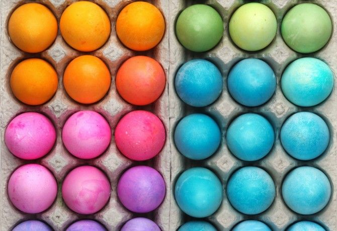 Fess tojást a konyhádban fellelhető élelmiszerekkel - nem kell a műfesték!