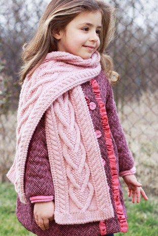Knitting pattern for Heart Cable Scarf