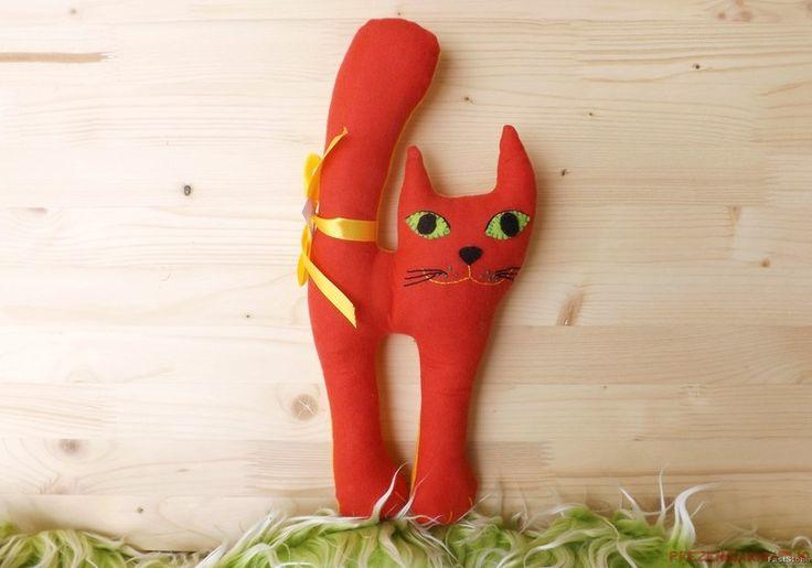 Kotek czerwono - żółty, uszyty z flaneli - prezenciarnia-jo - Maskotki i…