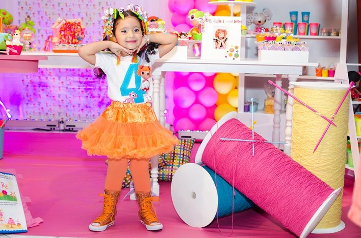 Decoração de espaço com bonecas de costura Lalaloopsy