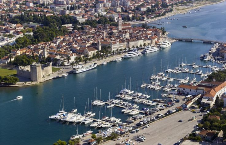 ACI Trogir The marina is open all year round and offers a fabulous view of the charming promenade of Trogir and of St. Lawrence's Cathedral bell tower.