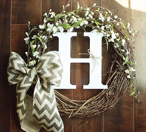 grapevine_wreath_with_ribbon