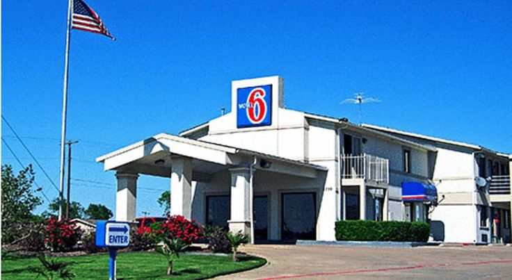 Motel 6 Dallas DeSoto Lancaster Lancaster Located in Lancaster, Texas, a short drive from local attractions including the Dallas Zoo, this motel features free wireless internet access along with on-site laundry facilities.
