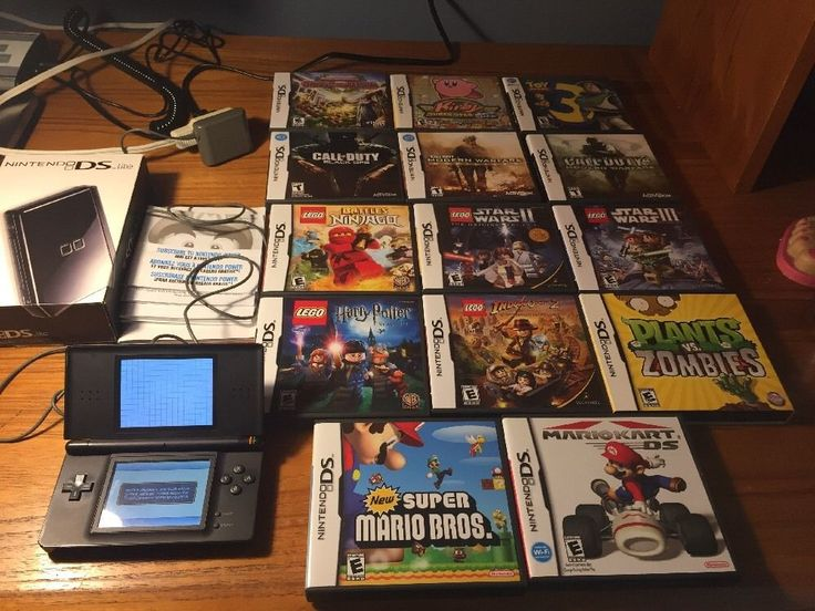 Nintendo DS Lite Black W/ 14 Games Lego, Mario, COD Works W/ Boxes & Booklets