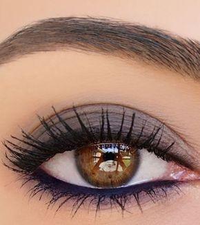 20 idées de maquillages pour sublimer les yeux marrons : prune mat