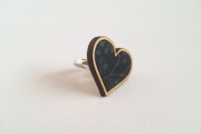Black Heart Ring by Kosbaar