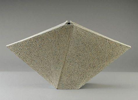 Noh Form  – Kishi Eiko  Stoneware, colored clay chamottes, clay slip, glaze. 2004
