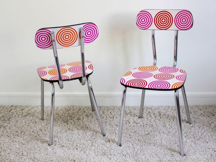 les 29 meilleures images du tableau chaises en formica. Black Bedroom Furniture Sets. Home Design Ideas