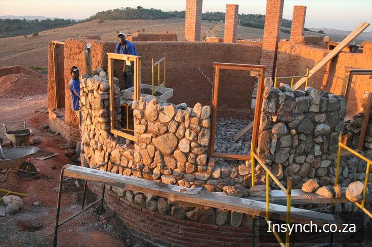 cob house | InSynch Projects: Riverbend Cob House