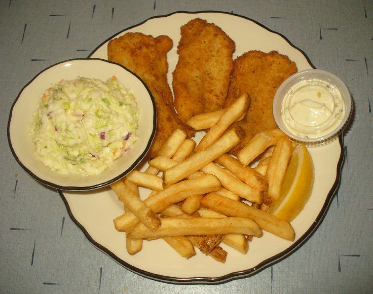 This is the cod fish fry from armeli 39 s restaurant for Fish fry waukesha