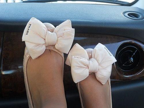 adorable.: Ballet Flat, Bows Flats, Cute Bows, Prada Bows, Prada Flats, Prada Shoes, Ballet Flats, Big Bows, Bows Shoes