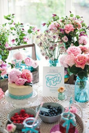 Photography - Marianne Taylor  • Flowers - Fairynuff Flowers • Cake - Restoration Cake • Stationery - Rose and Ruby Paper Co + Berinmade