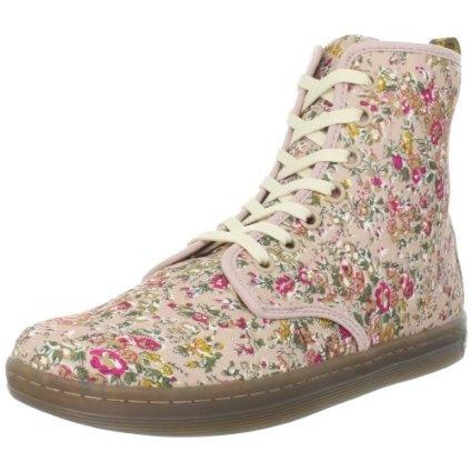 Dr. Martens Women s Shoreditch Boot - designer shoes, handbags, jewelry,  watches, 9cdddb98da8