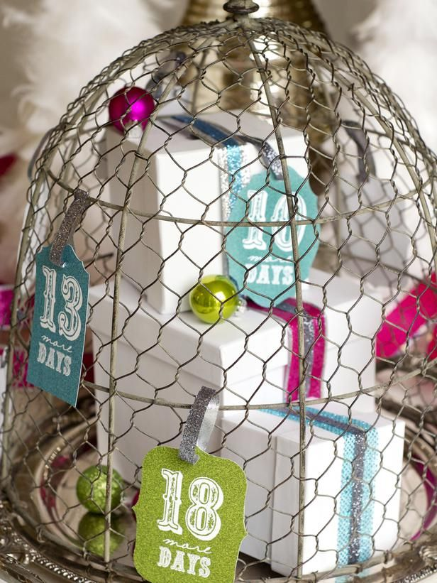 printable countdown cards: Christmas Countdown, Holiday Gift, Calendar Ideas, Countdown Tags, Advent Calendar, Adventcalendar, Christmas Holiday, Add Presents, Chicken Wire Cloche