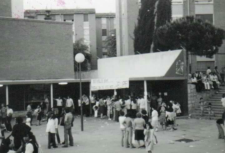 """""""Cines Galaxia"""". Las entradas del cine costaban setenta y cinco pesetas (aproximadas) y como no, era el mejor plan de un domingo por la tarde, en las cuales eran doble sesiones."""