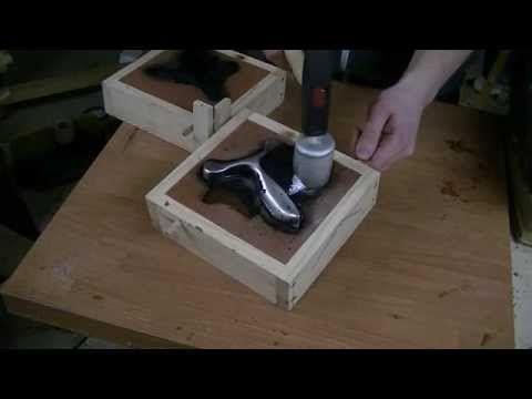Slingshot Green Sand Casting Aluminium - Eine Zwille aus Aluminium gießen - YouTube