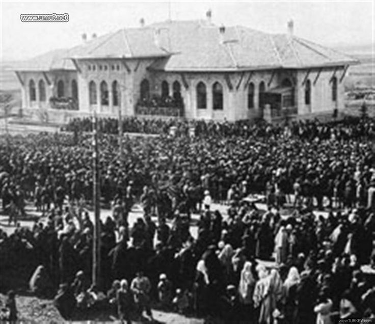 Eski Ankara Fotograflari / TBMM acilisi 1920.jpg