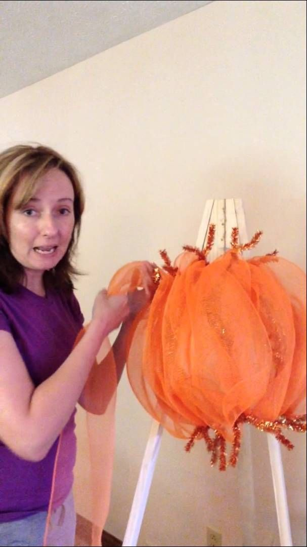 That Wreath Lady Pumpkin Mesh Wreath Tutorial