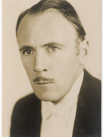 Roland Young Starring as Cosmo Topper (1937)