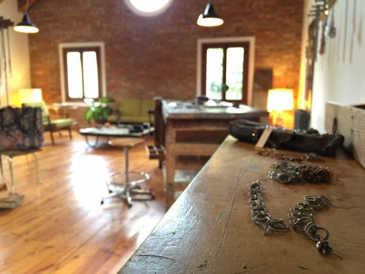 Monica Trevisi Lab in Campocroce. Thanks to Miss Claire >> http://www.missclaire.it/hand-made/monica-trevisi-artigianato-e-design-contemporaneo/