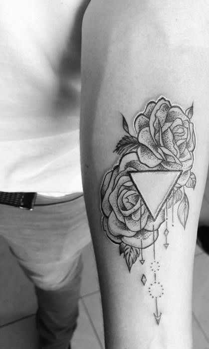 El dotwork por Black Diamond Tattoo en Puebla.