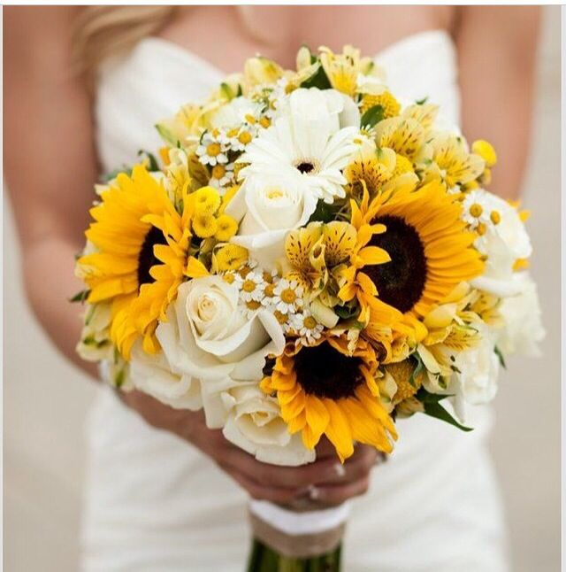 Love this especially for a summer wedding! Maybe even for an early fall wedding??