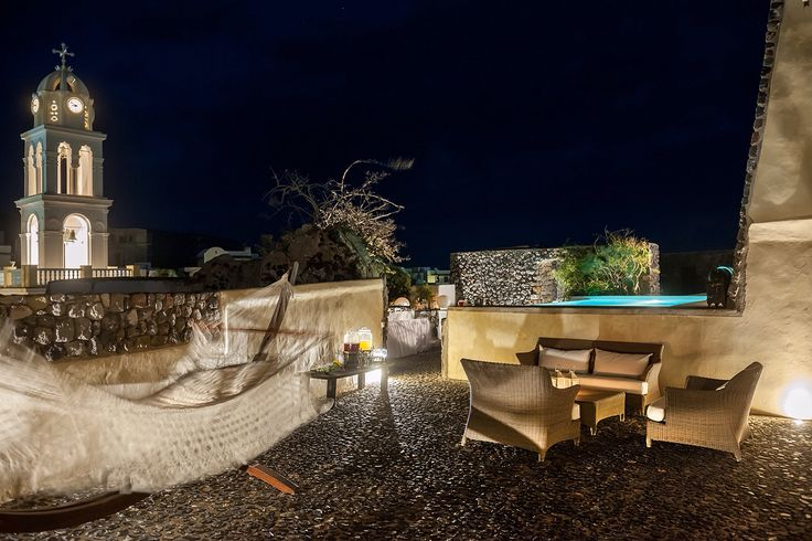 The beautiful Mansion Kyani by night  www.santoriniheritagevillas.com #santorini #santorinivillas #santoriniheritage #greece #travel #seeyouingreece  Photo by Ventouris Photography www.gventouris.com
