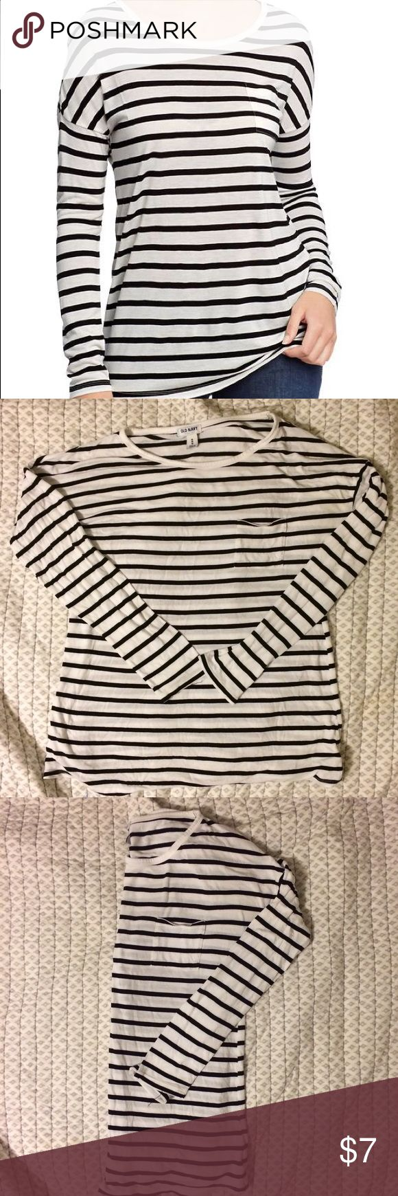 Old Navy Classic Mariner Striped Tee Audrey meets nautical in this beautiful long sleeve tee. The super soft, lightweight piece keeps you comfortable while looking tres chic. Pair it with black crops and ballet flats or jeans. | Great Pre-Owned Condition | Smoke-Free/ Pet-Free Home Old Navy Tops Tees - Long Sleeve