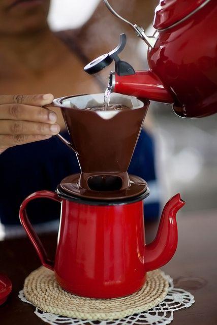 Koffie zetten.