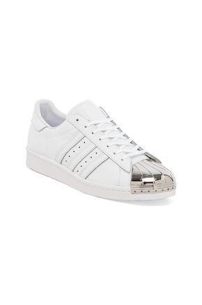 best service 7ea61 ac9cf adidas Originals BLUE Superstar 80s Metal Toe Sneaker en Blanc  Argent   REVOLVE