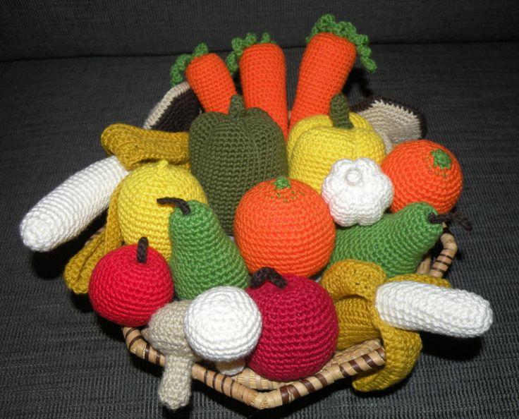 Hæklet frugt og grønt - rigtig skøn idé til børnekøkkenet