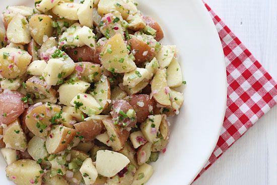 Салат из картофеля и яблок. Рецепт приготовления блюда