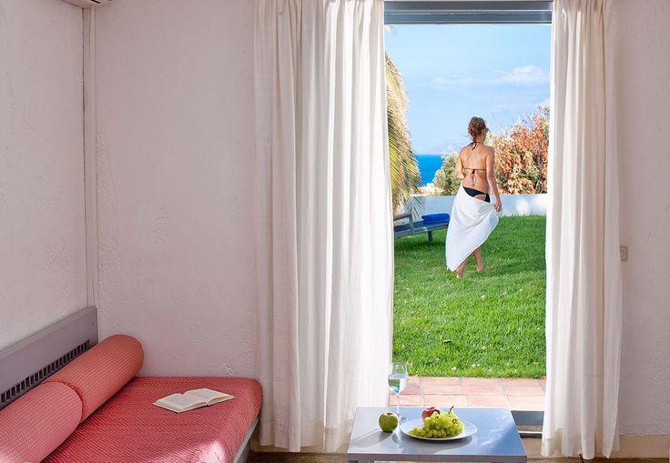 Elegantly decorated with spacious premises and all modern amenities villas in Crete? Have a look at Studio Villas of Galaxy Villas at http://goo.gl/JZde8U and book now! #Crete #Hersonissos #Greece #villa #holidays #summer2016 #kreta #kriti #lifeincrete #GalaxyVillasResort 