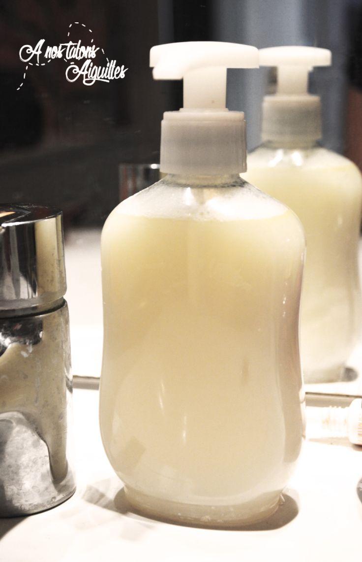 Une folle envie de créer moi même mes produits de maison. Ayant beaucoup de savon de Marseille à la maison et plus beaucoup de savon liquide pour les mains. J'ai donc choisi que mon premier p…