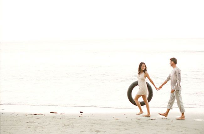 a beach photo shoot with style