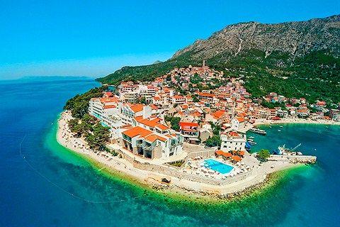 Sensimar Makarska ligger smukt på en odde i byen Igrane på Makarska-rivieraen.