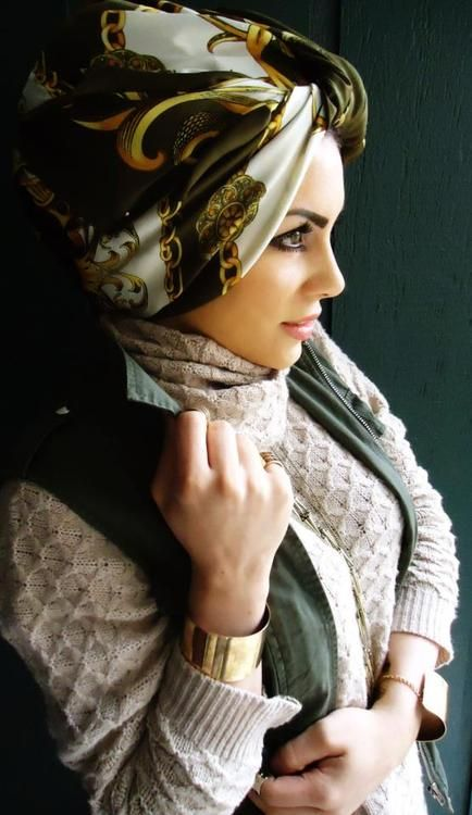 Beautiful turban style with a classic printed silk scarf