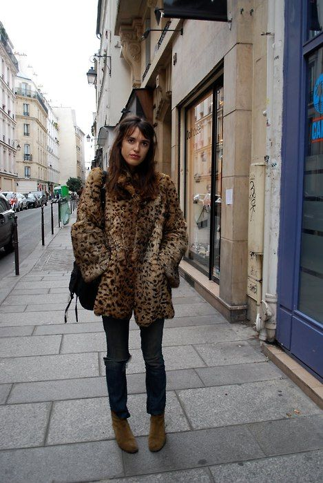 255 best j e a n n e d a m a s images on pinterest french style jeanne damas and parisian style. Black Bedroom Furniture Sets. Home Design Ideas