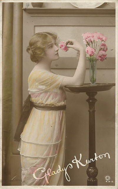Vintage Ladies Cabinet Cards (63)from vintageimages.org