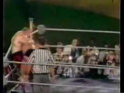 Andre the Giant vs. Chuck Wepner - YouTube