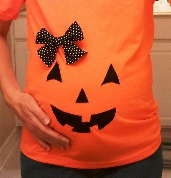creative homemade maternity Halloween costumes ideas pumpkin lantern t shirt