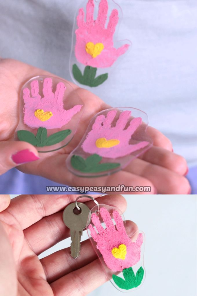 Shrinky Dinks Flower Handprint Keychain   – Diy