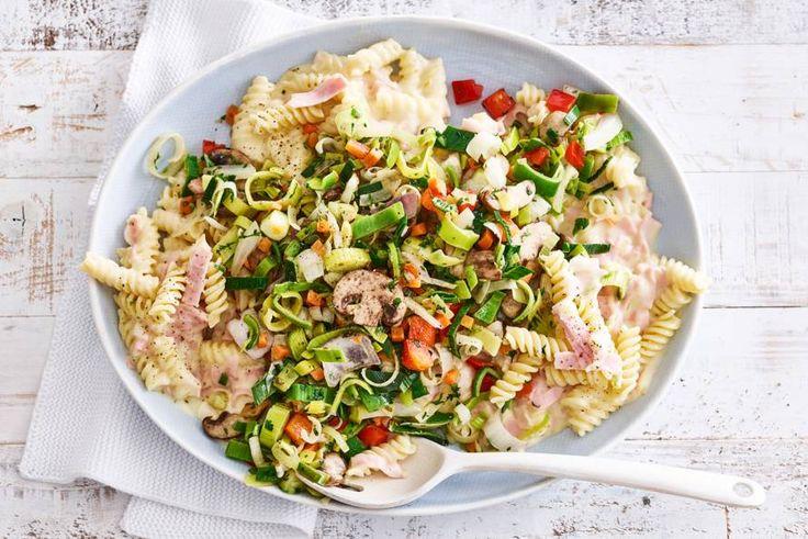22 juni 2017 - Italiaanse roerbakgroenten in de bonus = de basis van een goede pasta.- Recept - Allerhande