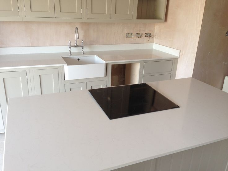 Unistone Carrara Quartz On Island Unit And Worktops In 20mm Faux Marble Quartz Worktops